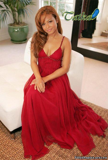 Рыжие в красном платье
